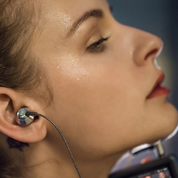 Fiio EX1 Dynamic IEM Earphones with Aerospace Nanotech Titanium Diaphragm Colour BLACK