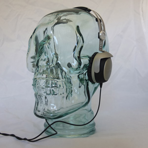 AMP3 Luxury Glass Skull Headphones Stand