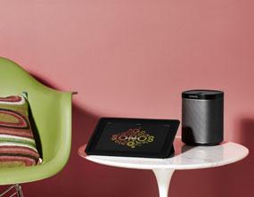 Sonos Play 1 with controller