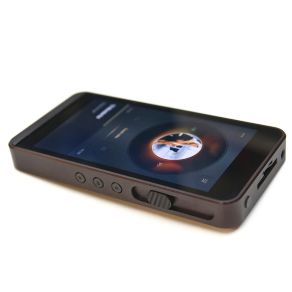 Charming ... Calyx M Portable Music Player And USB DAC Additional Image 2 ...